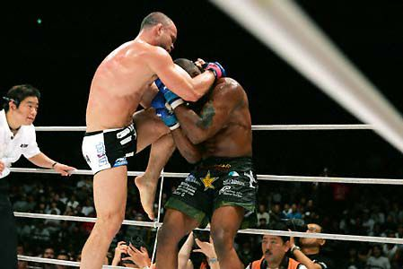 muay-thai-clinch-with-knee.jpg