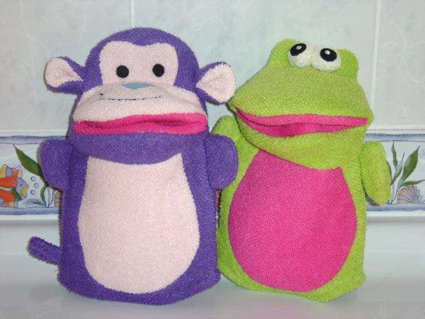 gant de toilette singe et grenouille photofarfouille pour les enfants. Black Bedroom Furniture Sets. Home Design Ideas