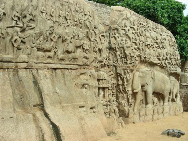 105-sculptures-pallavas----Mamallapuram--le---gd-bas-relie