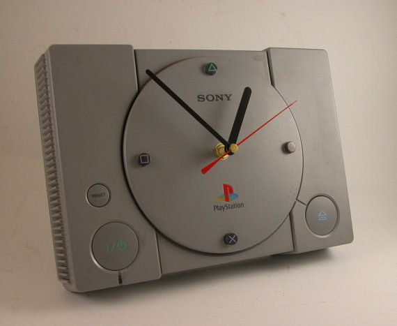 Playstation-horloge.jpg