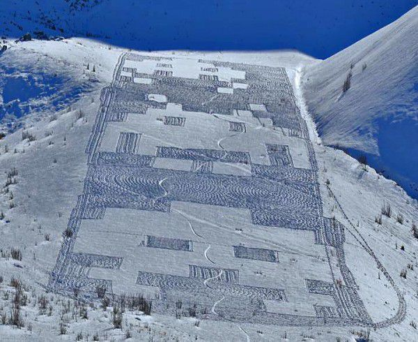 space-invaders-ski.jpg
