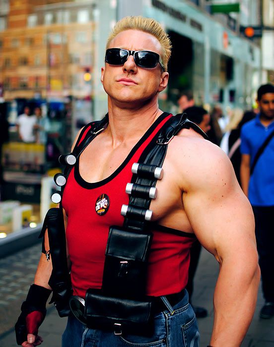 cosplay-Duke-Nukem.jpg