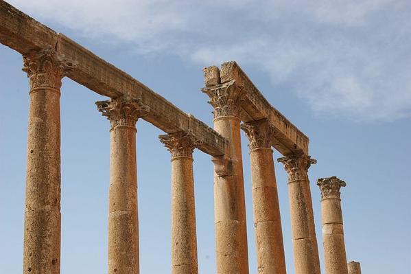 038-les-colonnes-ioniques-du-cardo-maximus.jpg