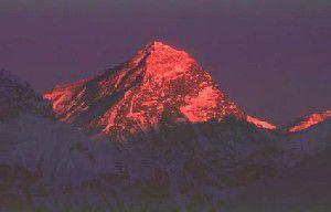pink-color-mount-everest-at-sunset.jpg
