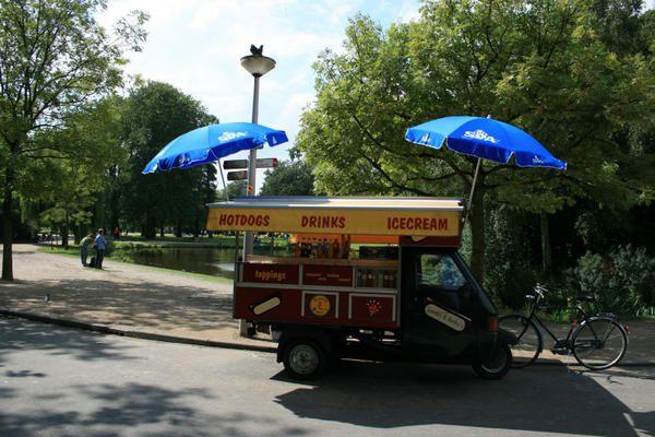 Amsterdam---Camion-hot-dog-2---Jennifer-Moreau.jpg