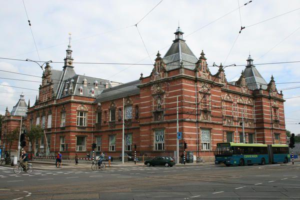 Amsterdam---Stedelijk-museum---Jennifer-Moreau.jpg