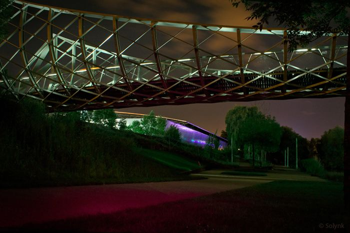 passerelle-du-Graoully-Metz-by-night-05-2014-Solynk-b