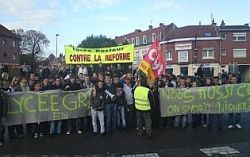 Photo VDN manif lyceenne 19-10-10