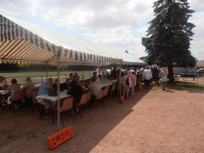 Barbecue-Amicale-vieux-Henin--3--reduit.JPG