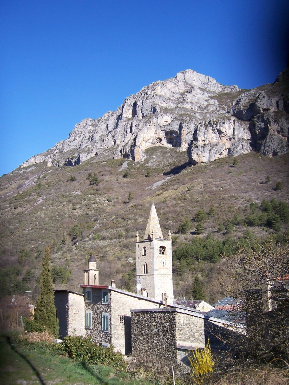 Photo patrimoine - la brigue village des alpes-maritimes