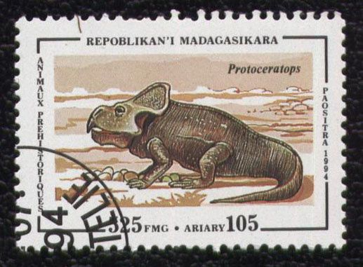 timbre-madagascar-animaux-protoceratops