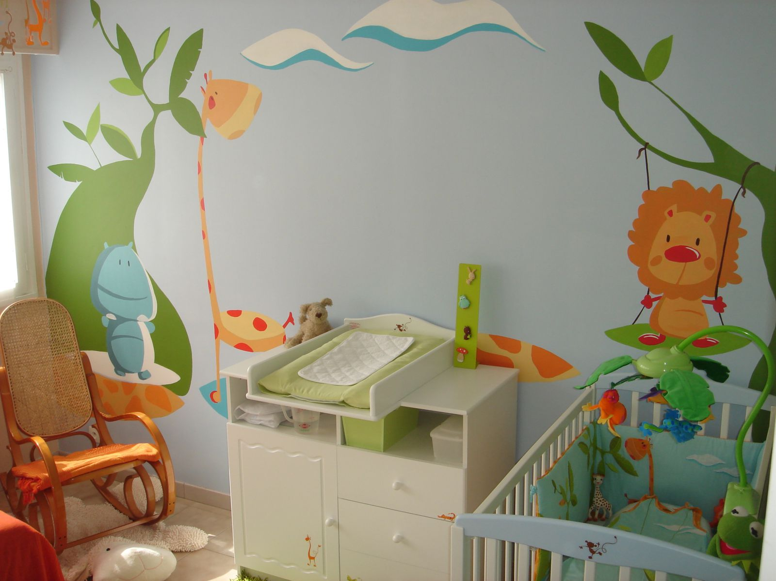 D co de chambre b b jank artiste peintre decorateur - Decoration chambre bebe jungle ...