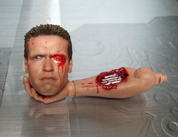 HOT TOYS T-800 TERMINATOR HEADSCULPT 2