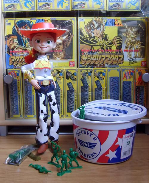 TSC JESSIE AND BUCKET OF SOLDIERS