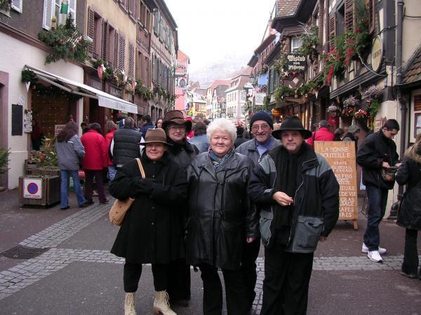 la petite troupe... bien couverte car il fait froid en ce moment en Alsace http://medieval-moyen-age.net