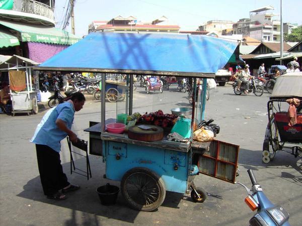 Vendeur de rue à Phnom Penh