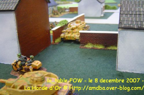 04---la-table-FOW---le-8-decembre-2007---La-Horde-d-Or-92600-ASNIERES--.jpg