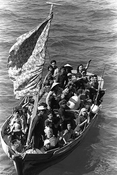 402px-35_Vietnamese_boat_people_2.JPEG