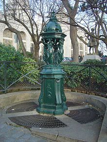 220px-Paris Montmartre fontaine Wallace dsc07302