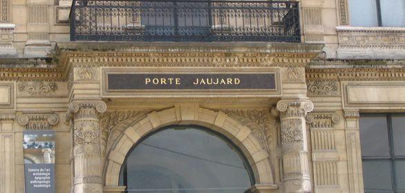 La porte jaujard louvre passion for Porte qui s ouvre vers l exterieur
