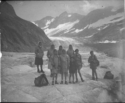 Glacier-de-Tr---la-T--te-1950-photo-Guillaume-Ledoux-Apoutsiak-domes-de-miage.jpg
