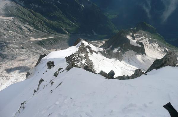 arête gallet vue du sommet Arête Gallet - Mont Dolent - bivouac de la Maye - photo Guillaume Ledoux Apoutsiak