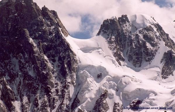 http://idata.over-blog.com/0/08/49/95/les-courtes-traversee/courtes-grandes-jorasses-blog.jpg
