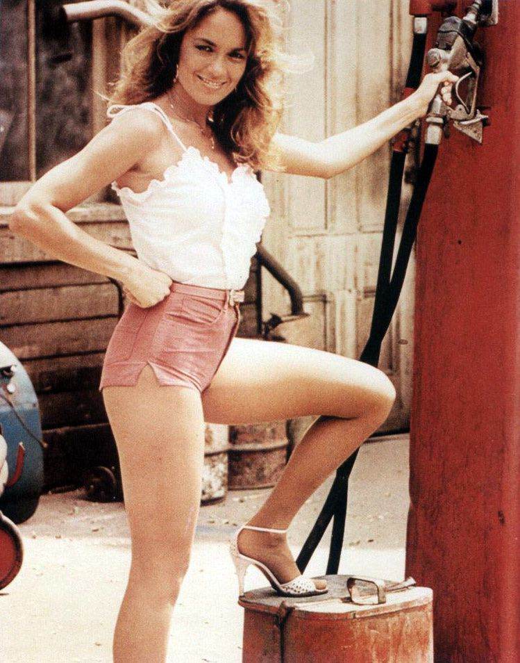 /2013/03/19/what-does-daisy-duke-catherine-bach-look-like-now-photos