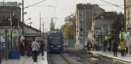 photo raincy-nono : rame inaugurale du tram-train T4