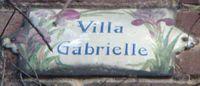 Le Raincy plaquee ancienne Villa Gabrielle avec décor floral