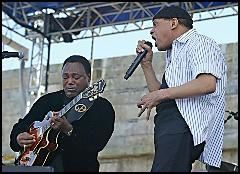 George Benson & Al Jarreau   Givin' It Up (phoenix tk com) preview 1
