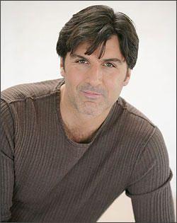 David (Vincent Irizarry) quitte les FDA David-chow2