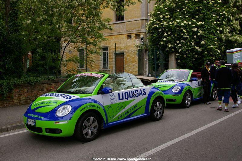 VW New Beetle Liquigas carovana Giro 2009