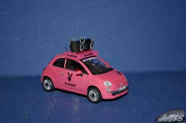 http://idata.over-blog.com/0/11/68/83/miniatures/po1/2010-Fiat-500-Playboy-Giro.jpg
