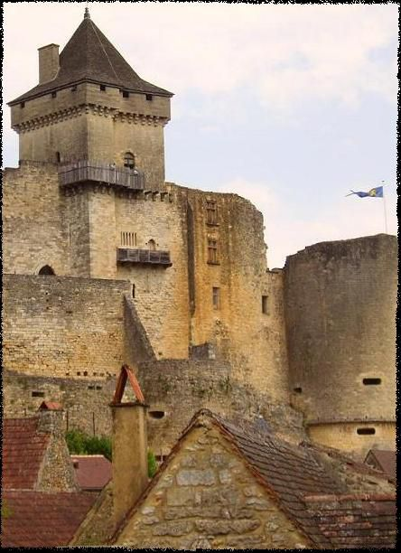 Castel_of_castelnaud_la_chapelle.JPG