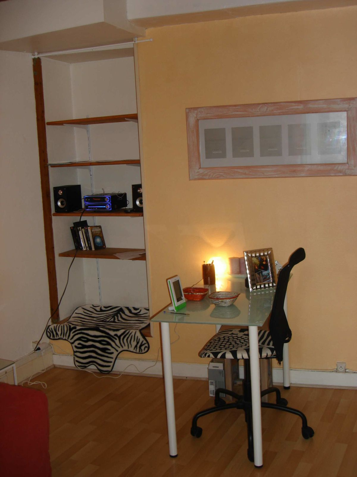 album le meubl de tourisme l 39 39 ermitage location. Black Bedroom Furniture Sets. Home Design Ideas