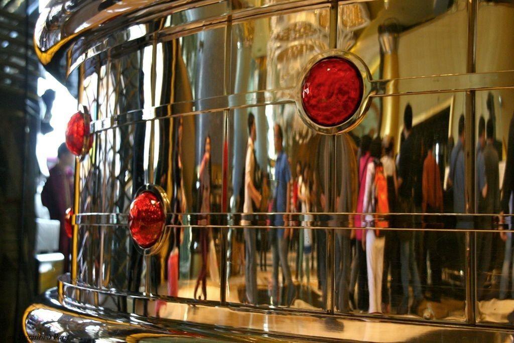 Miroir mon beau miroir un peu de savoie ex un for Miroir paris 18
