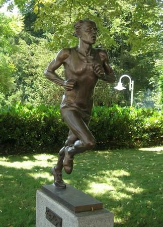 statue Emil Zatopek Musee olympique Lausanne