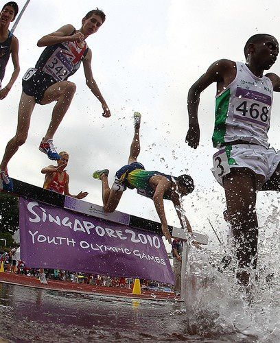 youth olympics steeplechase fall