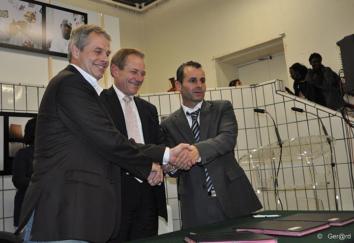 Signature-Accord-Cooperation-Sport-Cergy-Saffra-14-c-Ger-.jpg
