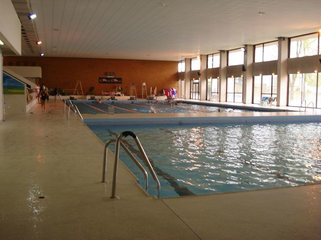 Piscine cergy prefecture for Piscine vaureal