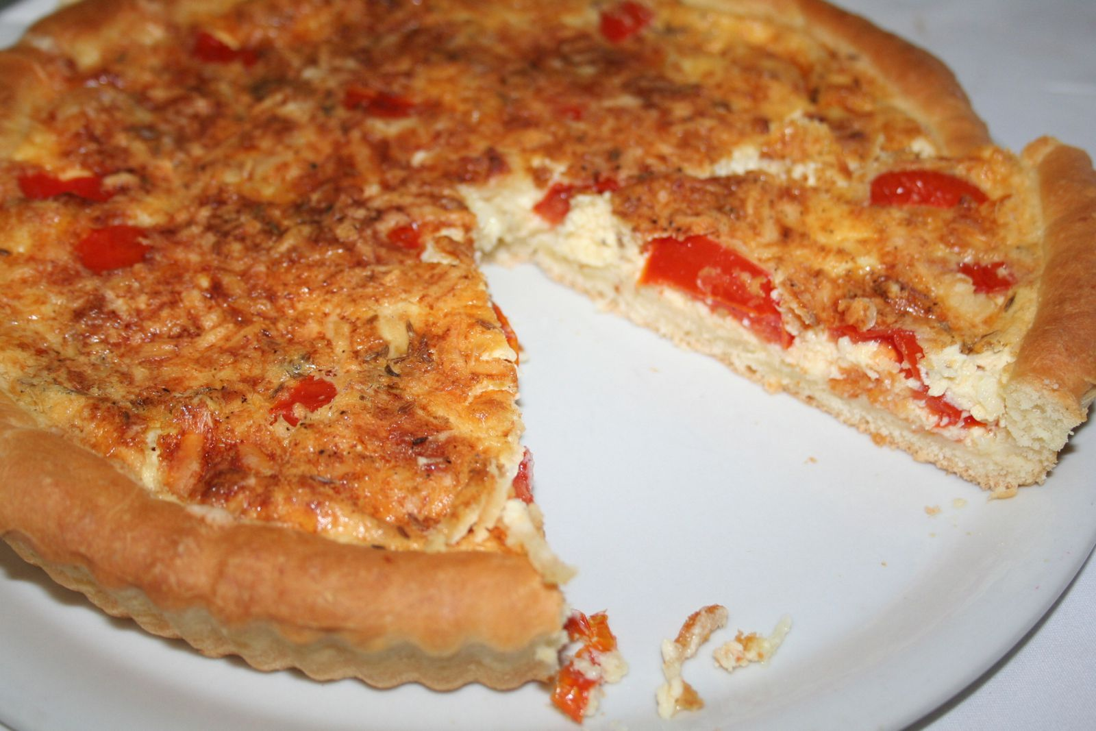 tarte brioch e la tomate et au fromage blog cardamome. Black Bedroom Furniture Sets. Home Design Ideas