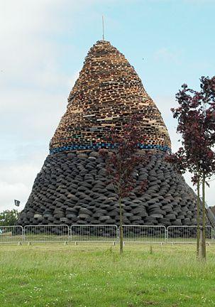 Pneus-sur-le-Bucher----Belfast--.jpg