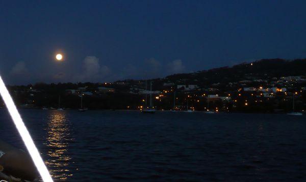 Eclipse lune 2010 1 ronde