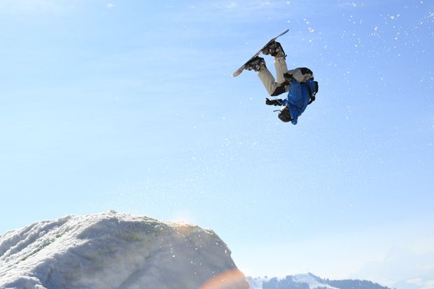 Backflip Snowboard 07