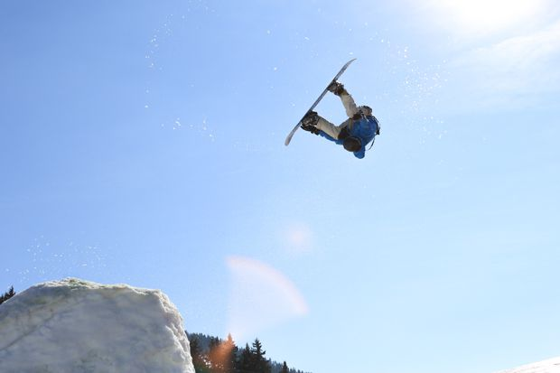 Backflip Snowboard 08