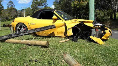 Porsche-crash.jpg