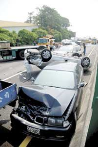 crash-taiwan-bus.jpg