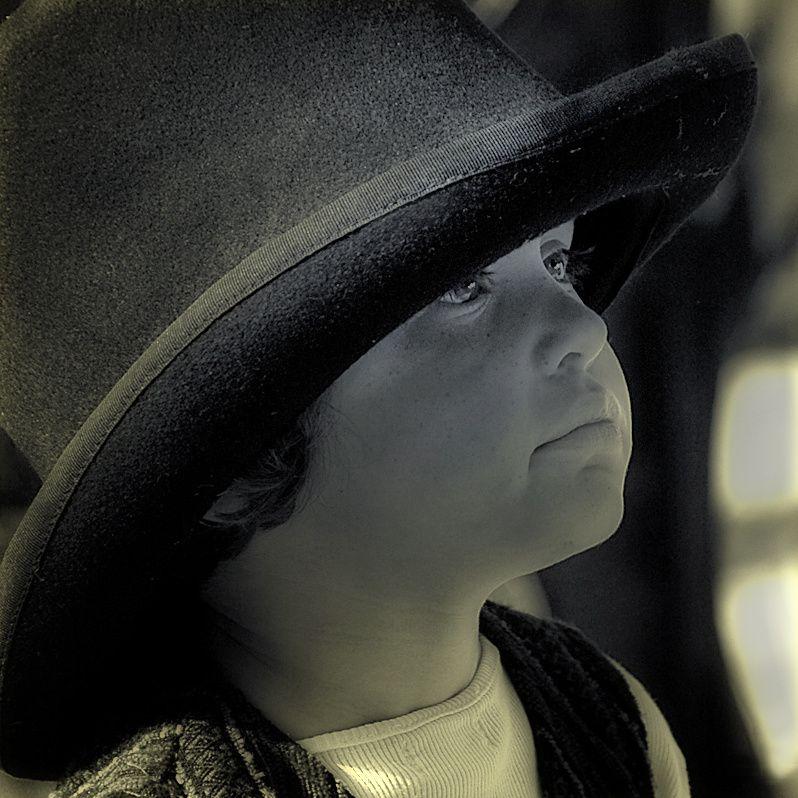 Enfant-au-chapeau--1000-.jpg