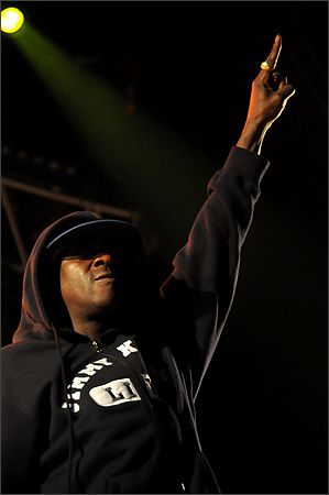 public-enemy-lezarts-sceniques-16-07-2011-jd-01.jpg